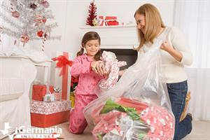 Christmas-Cleanup-Reducing-Holiday-Waste
